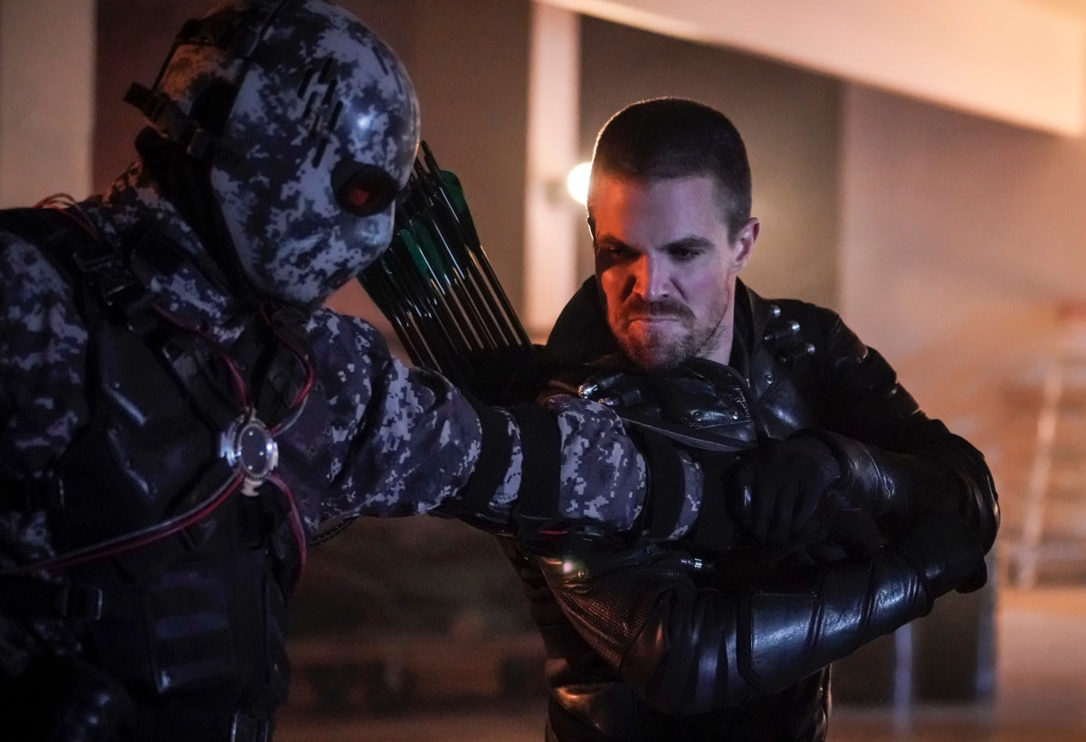 arrow season 7 episode 12 150 oliver queen green arrow emerald archer stephen amell