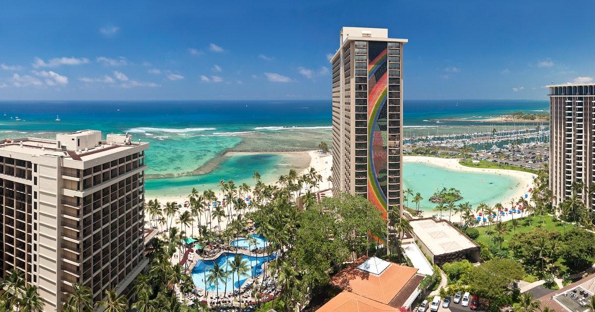 Hawaii Life  cover image