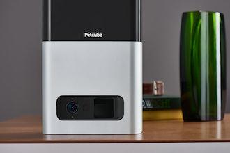 Petcube Bites Interactive HD Pet Camera With Treat-Flinging Dispenser
