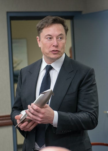 """SpaceX CEO Elon Musk explains the future capabilities of his company's """"Starship"""" to senior leaders of the North American Aerospace Defense Command, U.S. Northern Command, and Air Force Space Command, April 15, 2019. During Musk's visit to Colorado Springs, Colorado, he participated in conversations and round table briefings about future space operations and homeland defense innovation."""