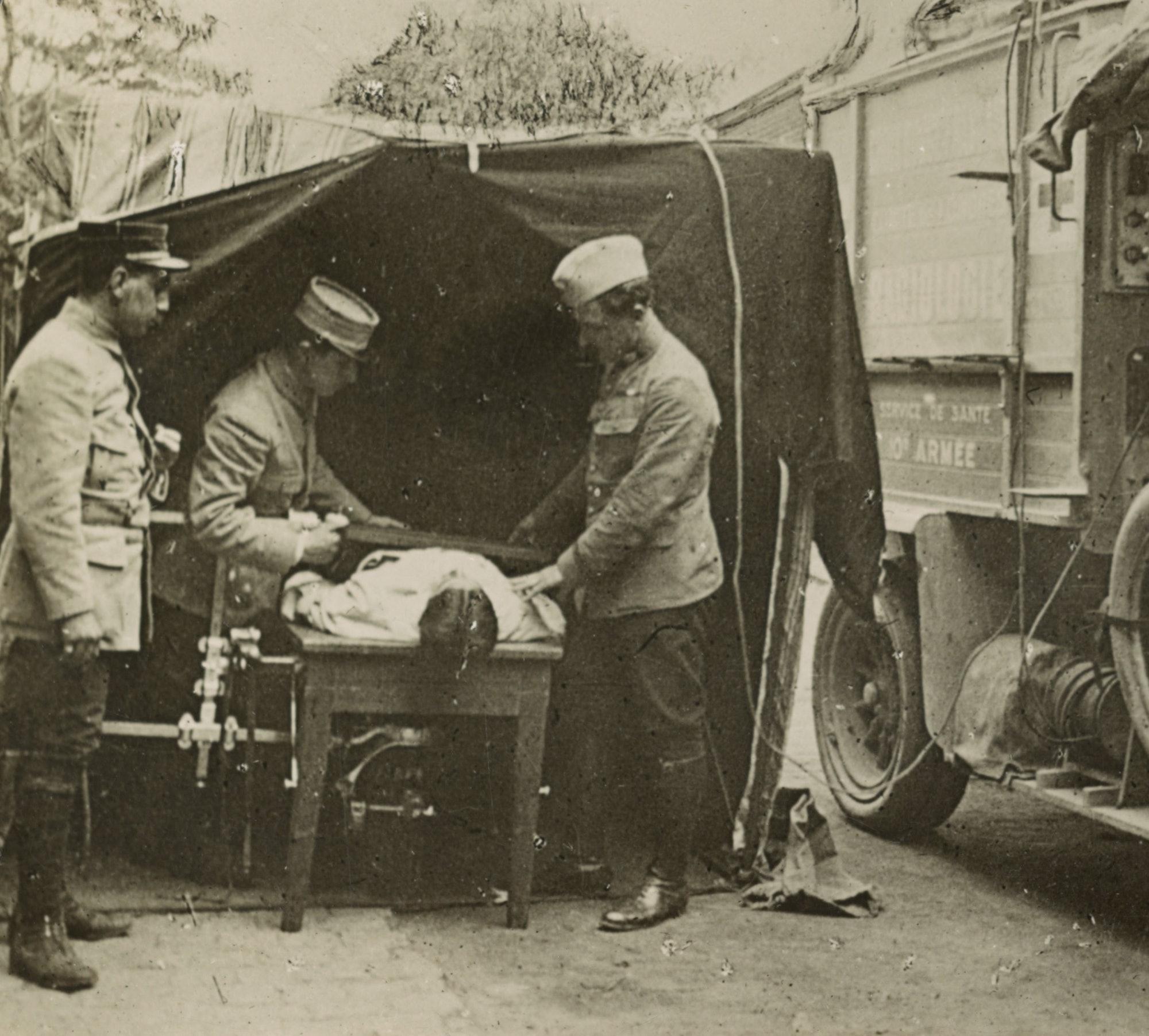 WWI x-ray machine