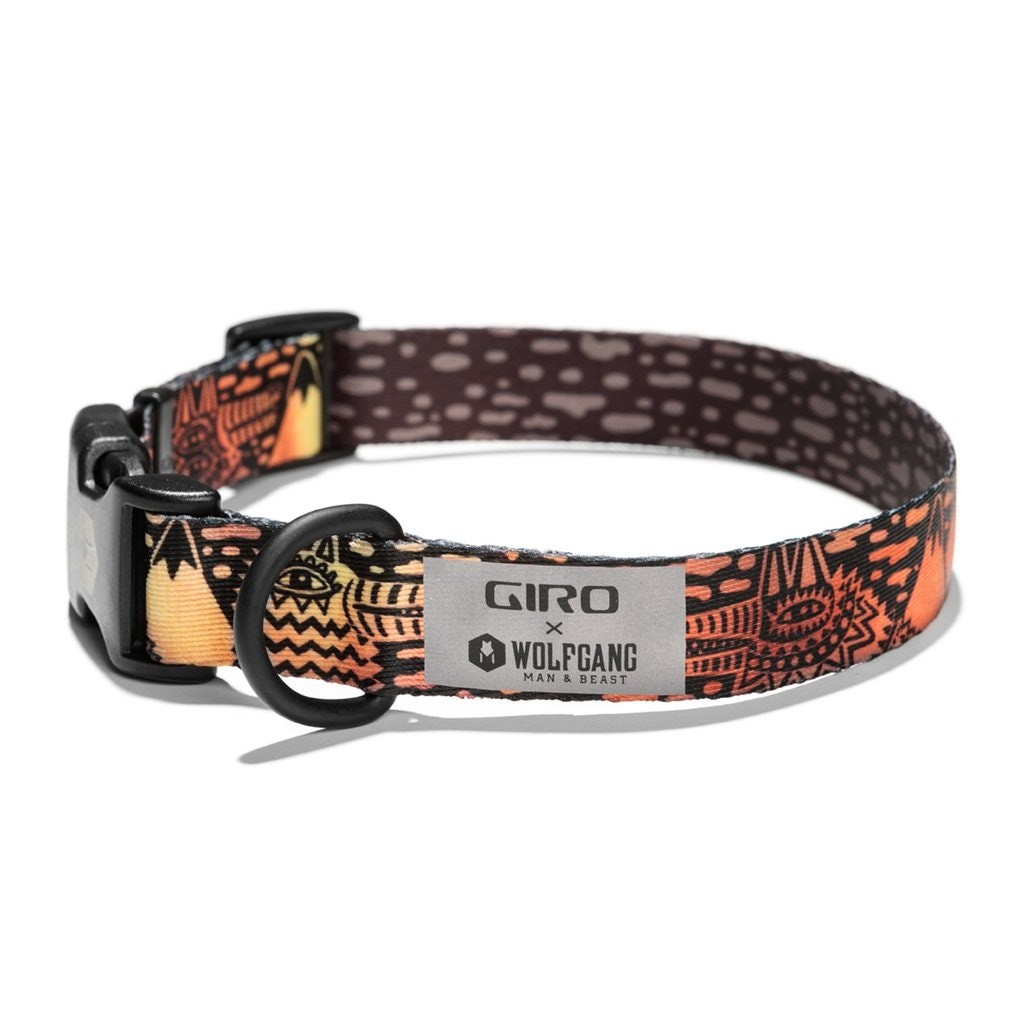 A black, orange and yellow dog collar.
