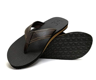 KuaiLu Men's Yoga Mat Leather Flip Flops