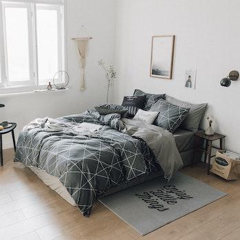 geometric comforter