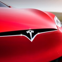Tesla could lose its electric car top spot by 2025, analyst claims