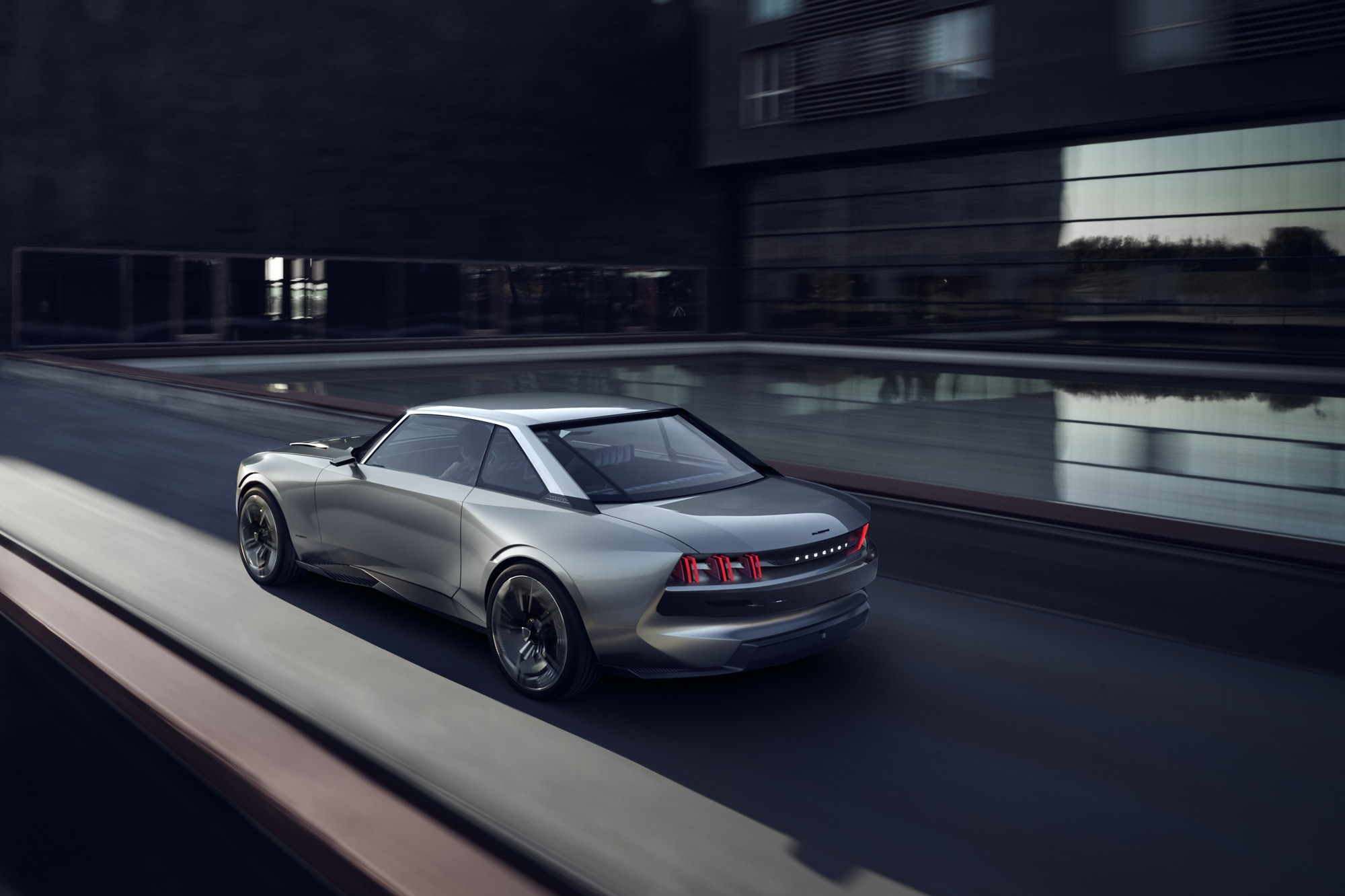 Peugeot E-Legend.