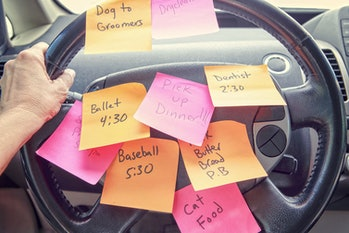 car post-it sticky note reminders steering wheel