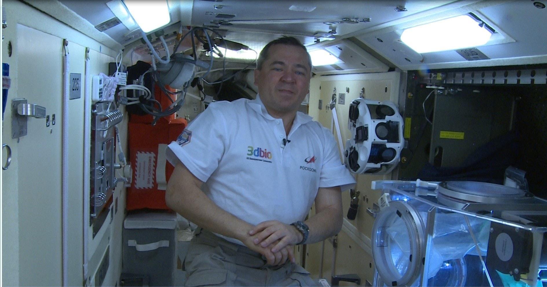 Oleg Skripochka conducting the experiment on the ISS.