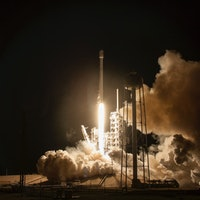 Check Out New Photos From SpaceX's Amazing EchoStar Launch