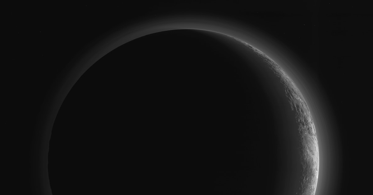 NASA Shows Off Stunning Photos and Maps From New Horizons' Flyby of Pluto