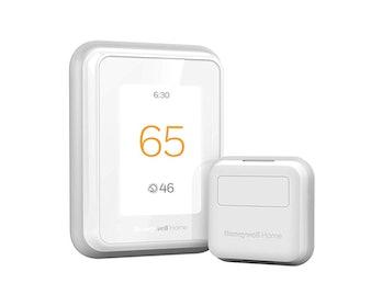 Honeywell Home T9 WIFI Smart Thermostat with 1 Smart Room Sensor, Touchscreen Display, Alexa and Goo...