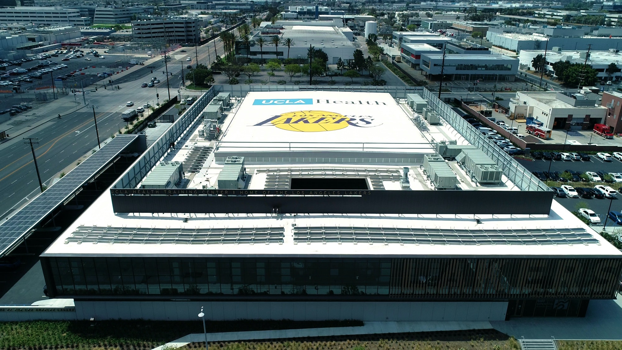 Lakers Solar LG UCLA Vaha