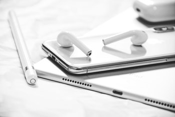 airpods apple iphone