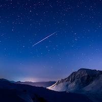 Tonight's Supermoon Will Ruin the Geminids Meteor Shower
