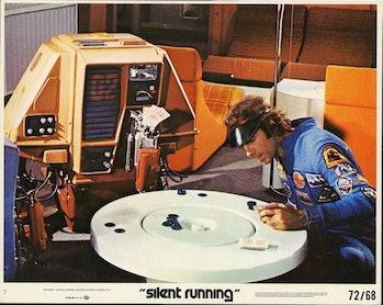 silent running card playing robot