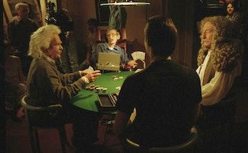 Data plays poker with Einsten, Hawking, and Newton in 'Star Trek: The Next Generation'.