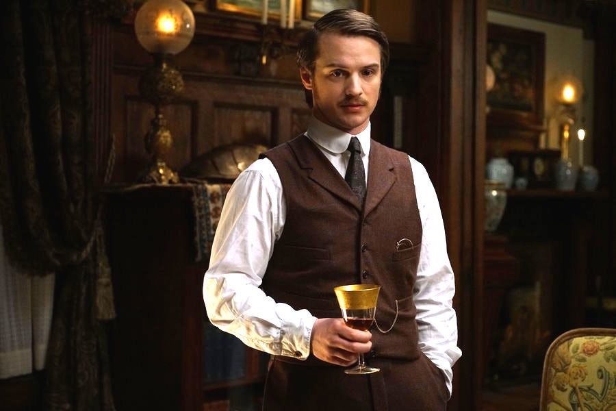 Freddie Stroma as H.G. Wells in 'Time After Time'