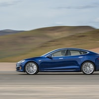 """Tesla's Non-Disclosure Agreements About Defects are """"Unacceptable,"""" Say Feds"""