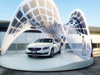 Volvo pure tension pavilion solar charging