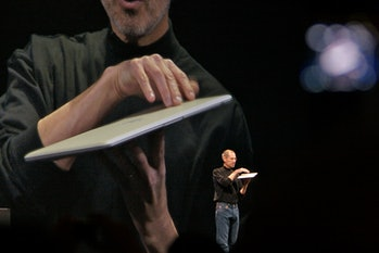 Steve Jobs demos the MacBook Air