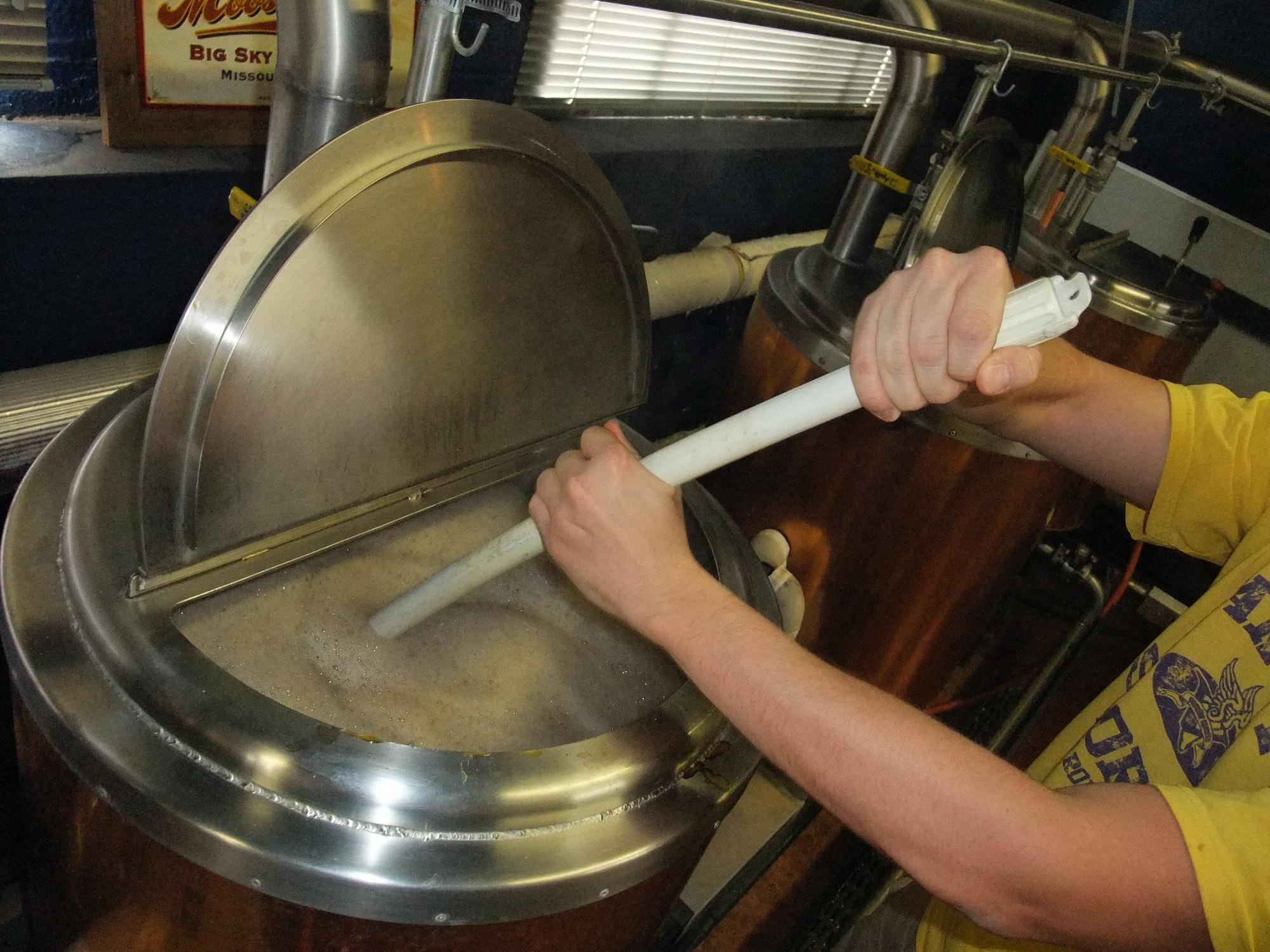 Brewing stout at Kellys
