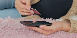 Tips for Improving Your Credit Score After Your Drunken Holiday Spending