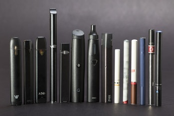 vapes e-cigarettes
