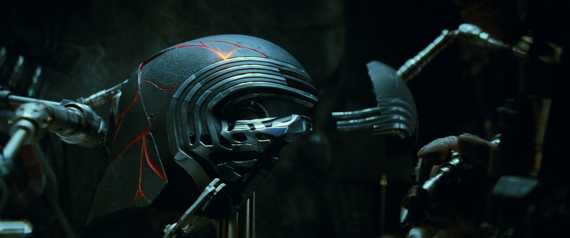 star wars episode ix kylo ren helmet
