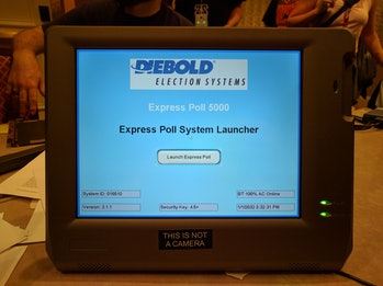 Expresspoll 5000 voting machine at DEFCON.