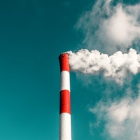 Air Pollution: Effect on Life Expectancy Points to Big Flaw in EPA Standard