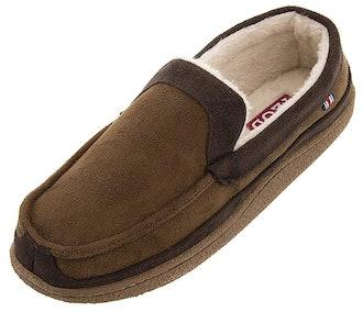 Izod Men's Classic Two-Tone Moccasin Slipper