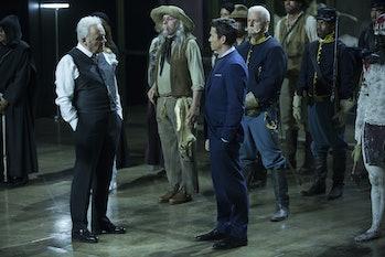 Simon Quartermanas Lee Sizemore in 'Westworld'