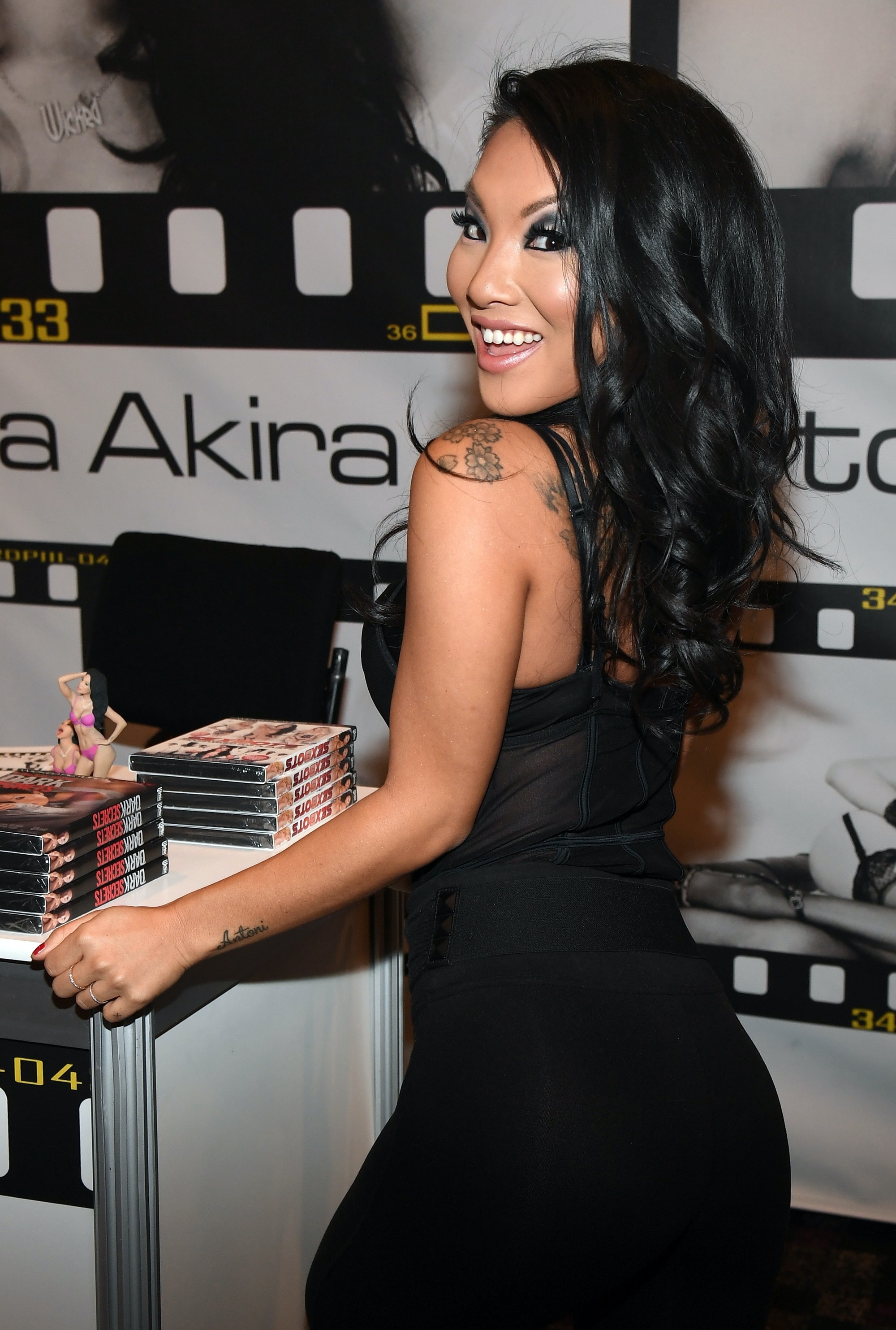 LAS VEGAS, NV - JANUARY 18: Adult film actress/director Asa Akira appears at the Wicked Pictures booth at the 2017 AVN Adult Entertainment Expo at the Hard Rock Hotel & Casino on January 18,2017in Las Vegas, Nevada. (Photo by Ethan Miller/Getty Images)