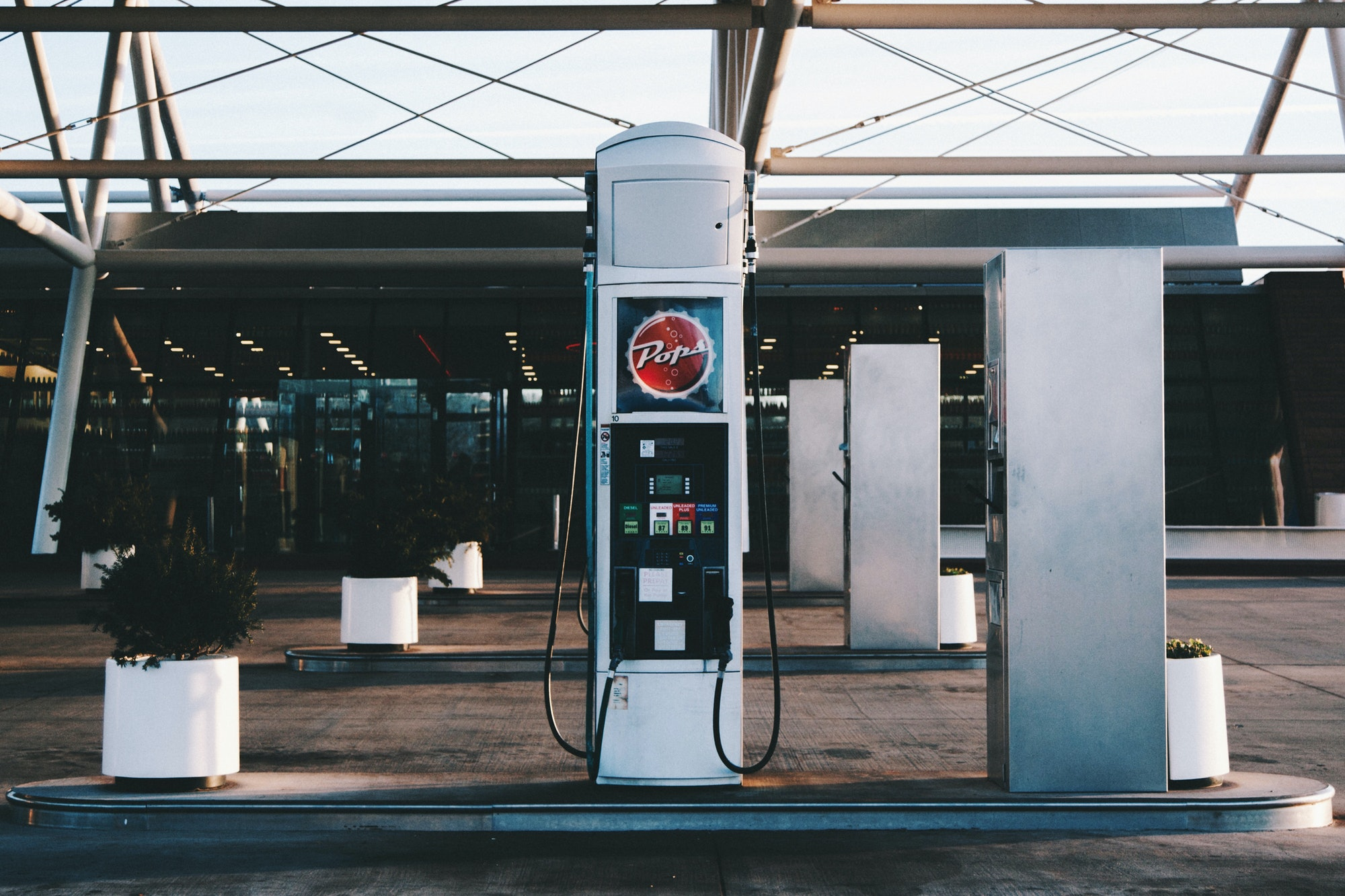 A fossil fuel pump: technology of the past?