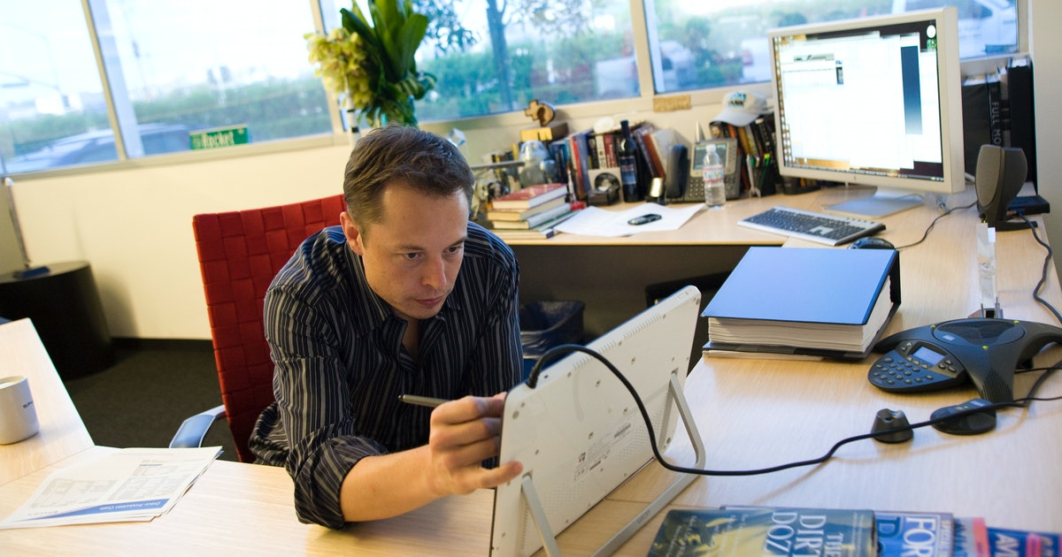 Elon Musk Thinks We're Four or Five Years Away From Neural Lace