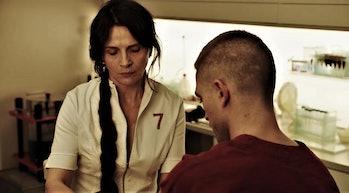 Juliette Bînoche and Robert Pattinson in 'High Life'
