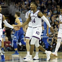 March Madness: Will Villanova Beat Kansas in the Final Four? AI Predicts
