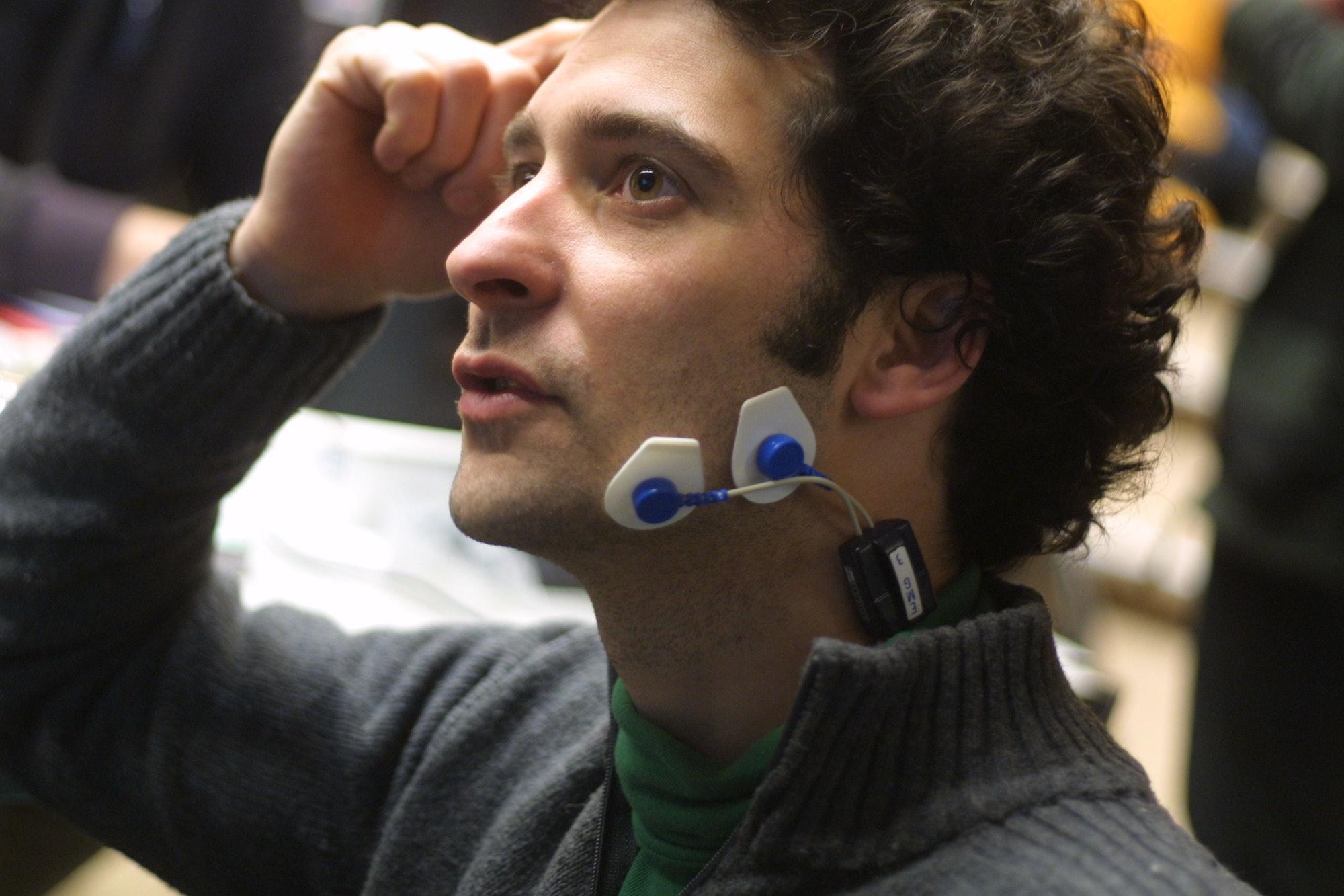 EEG, EKG, EMG, GSR and Transcranial Magnetic Stimulation @ Main d'oeuvresinsitu.lri.fr/~labrune/blog/2008/03/22/biosignals-workshop/www.noraxon.com/aurion/zerowire.phpBiosignals Workshop -  Art & Science emotions
