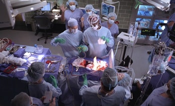 Even if doctors take great care, accidents can still happen, like in this episode of Grey's Anatomy, when a patient's heart caught on fire during a surgery.