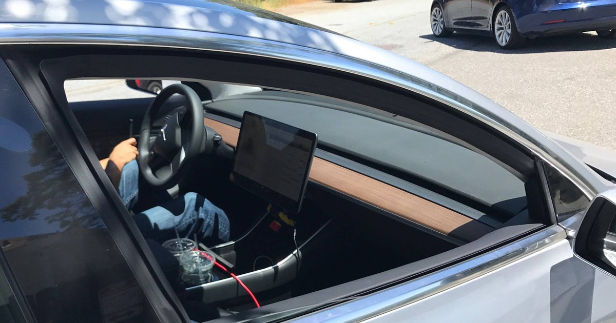 These Tesla Model 3 Shots Reveal the Stunning New Dashboard