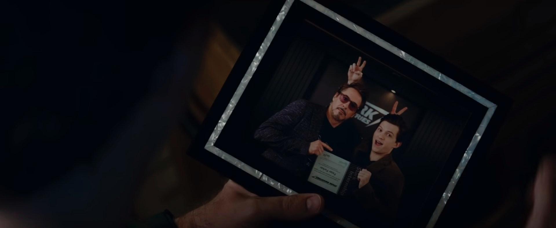 avengers endgame tony stark peter parker photo