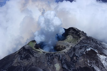 Volcano Cotopaxi, acting like a pipe organ