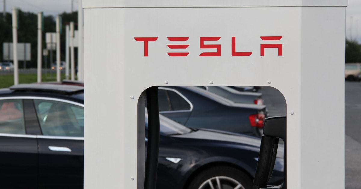 Tesla Supercharger V3: Release Date, Charge Times and Solar for EV Charger