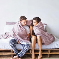 Your New Favorite Linen Bedding Makes Itself