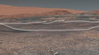nasa curiosity rover mars mount sharp gale crater