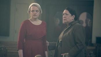 Aunt Lydia June The Handmaid's Tale Season 3