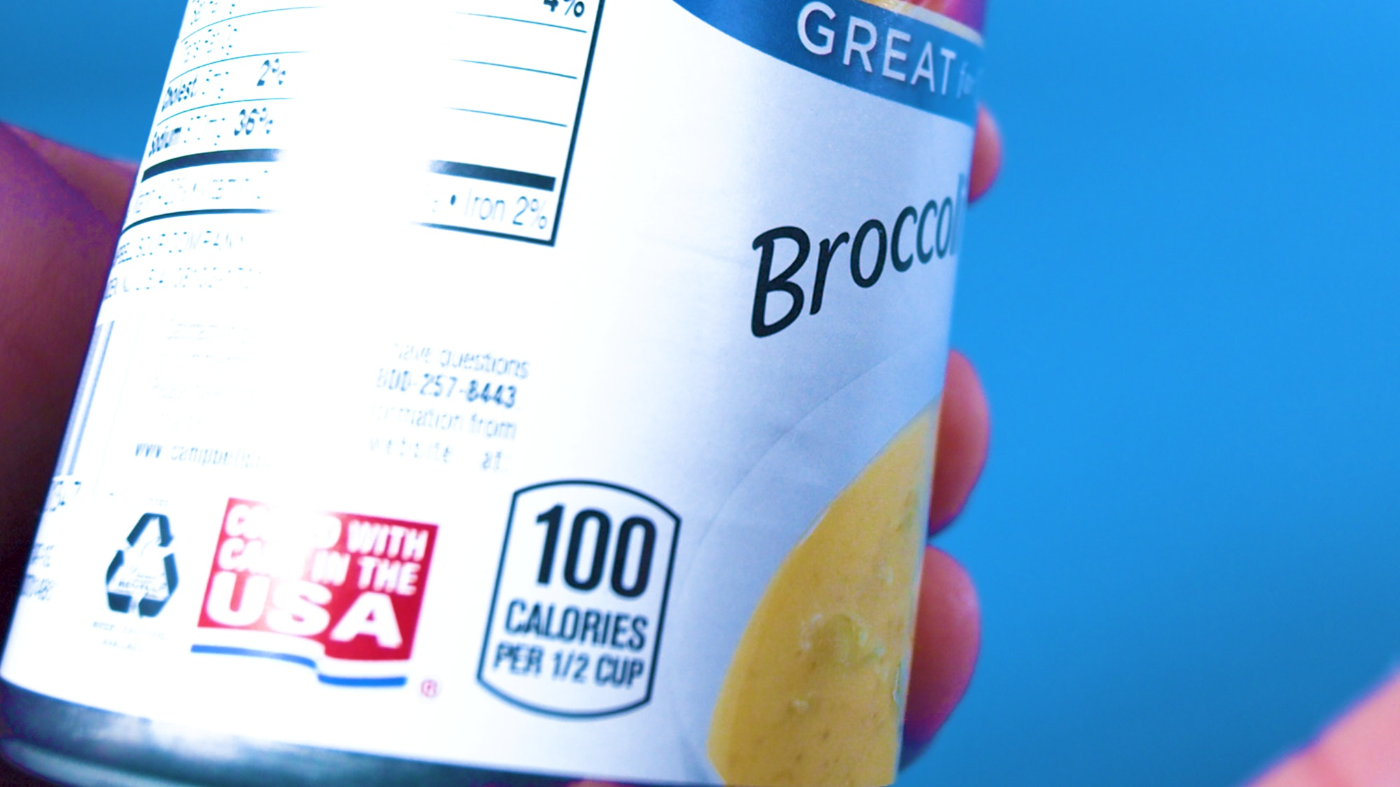 100-calorie label on can of soup