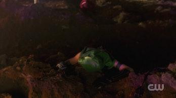 arrowverse supergirl arrow the flash elseworlds green arrow smallville suit