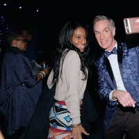 Bill Nye the Science Guy Is a Great Elevator Companion, According to This Video