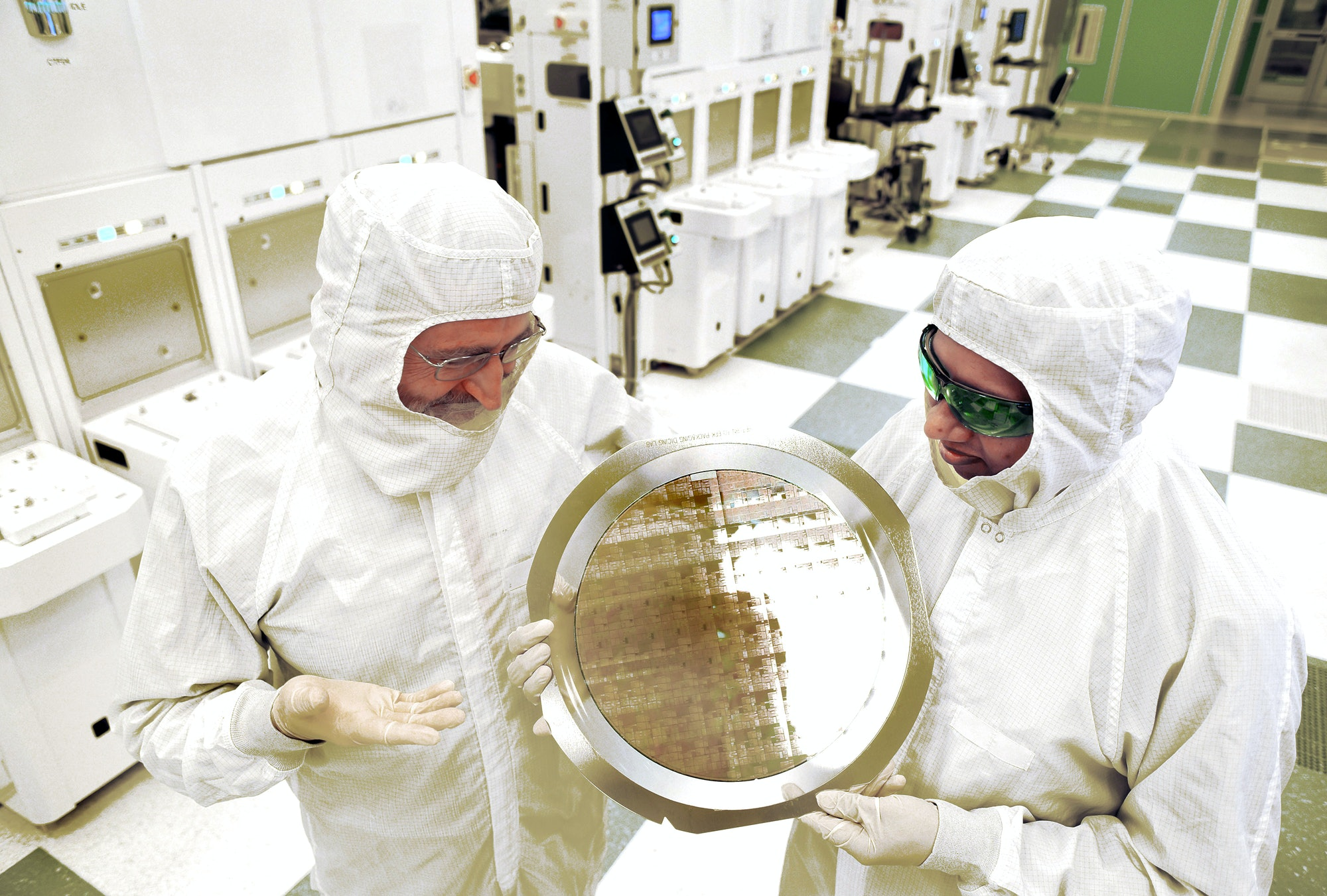 IBM Research Alliance Produces Industry's First 7nm Node Test Chips